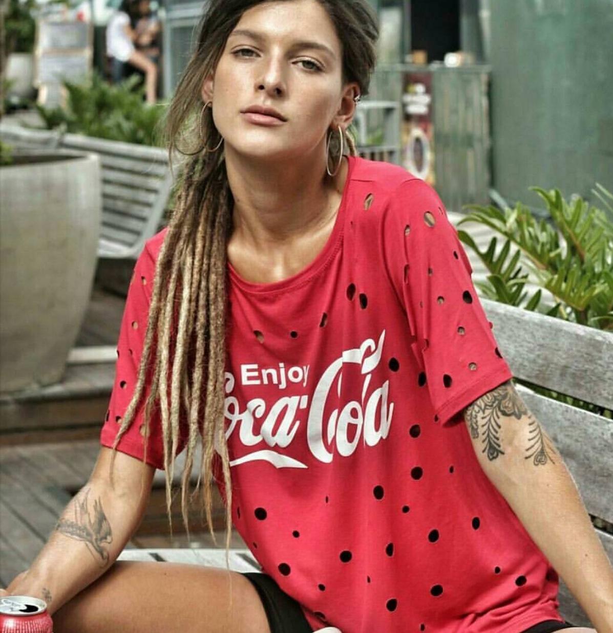 6f56a81404 Camiseta estampa coca-cola - Mon Cherri Moda Feminina